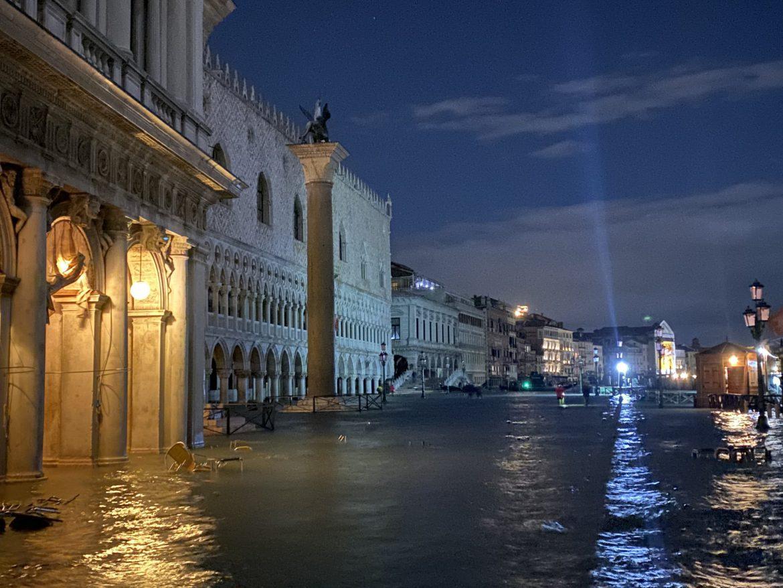 venezia acqua alta cause cambiamento climatico