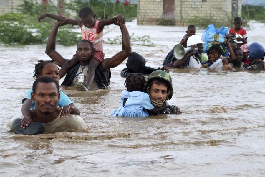 crisi climatica alluvione uragano