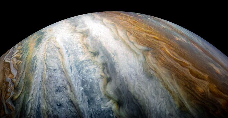 Giove: vortici colorati dominano l'emisfero meridionale di Giove in questa immagine catturata dalla navicella spaziale Juno della NASA