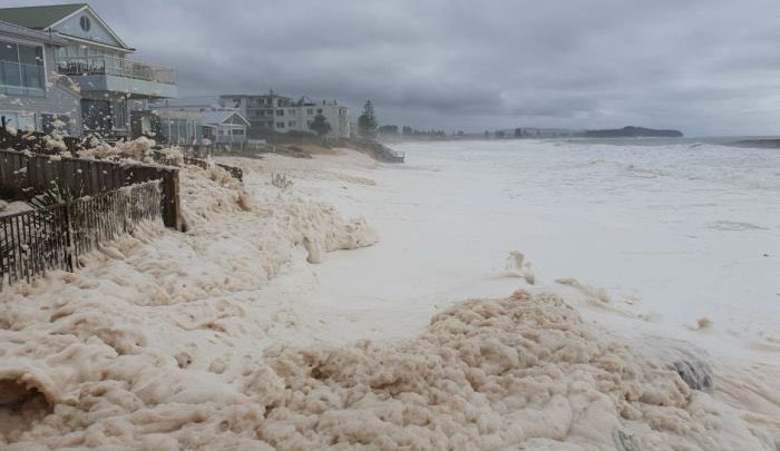 ciclone uesi nuova caledonia australia