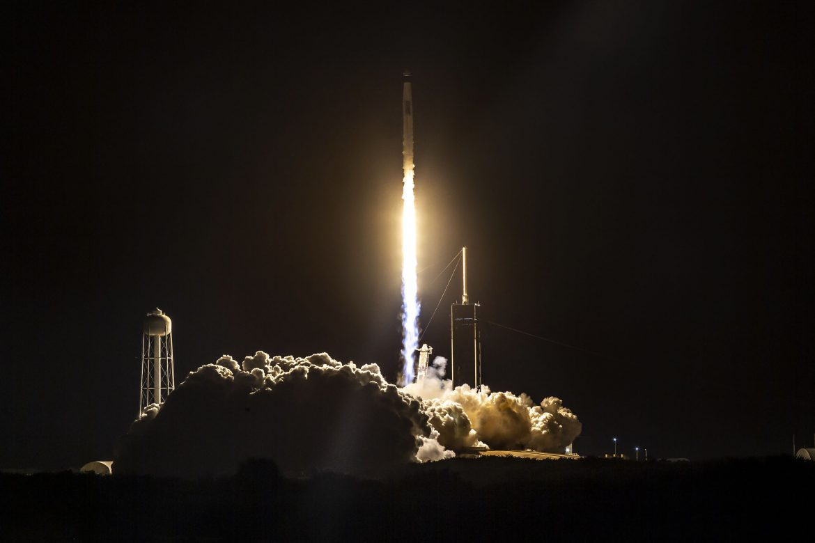 spacex crew dragon iss