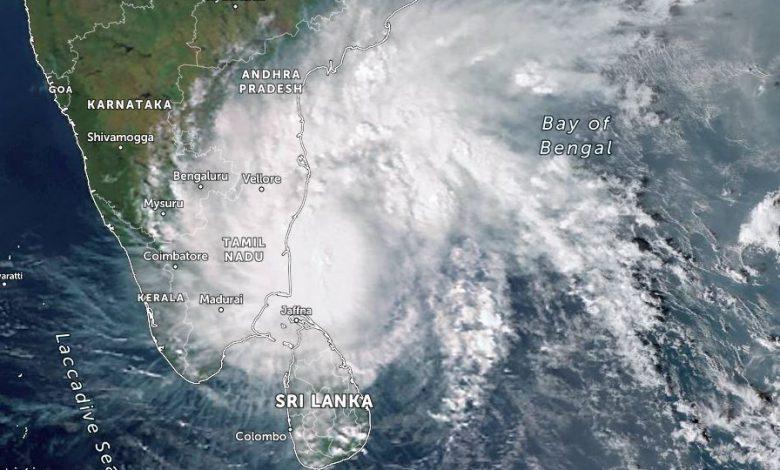 india ciclone Nivar